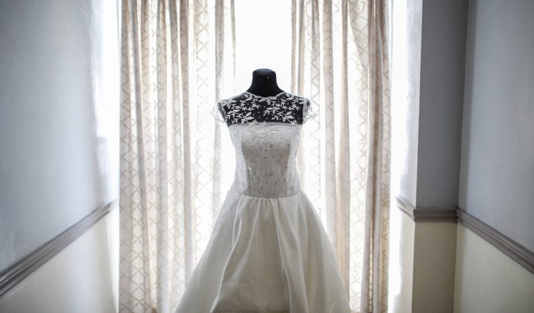 """These Wedding Dress Fails Will Make You Say """"No To The Dress"""""""